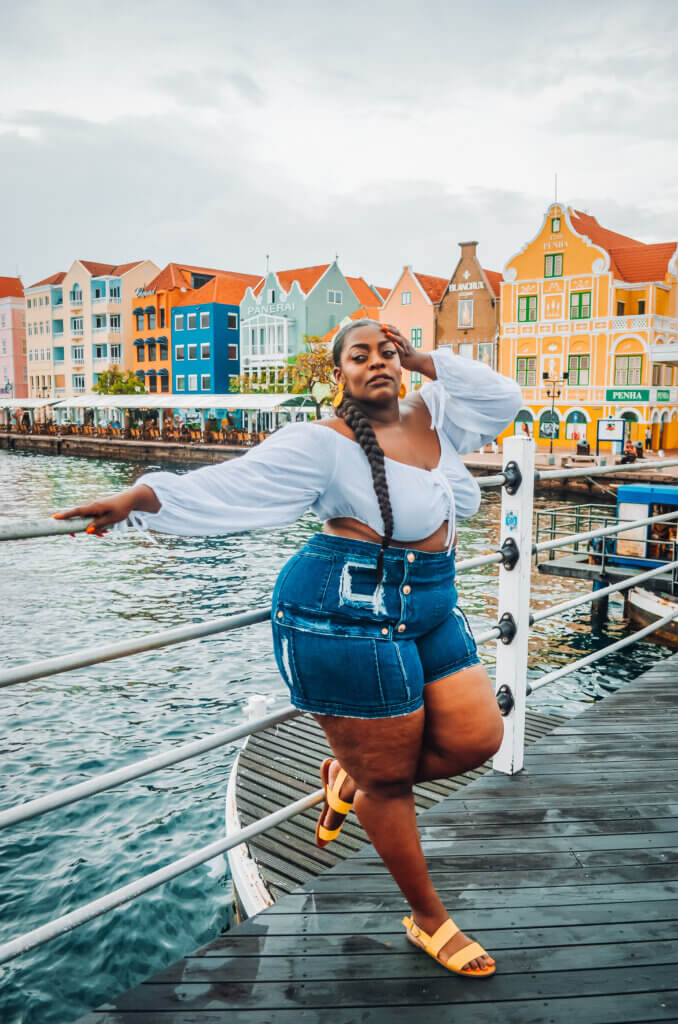 Leila Latoya Dark Beauty L Posing Tips and Tricks From Top Travel Bloggers Chubby Diaries